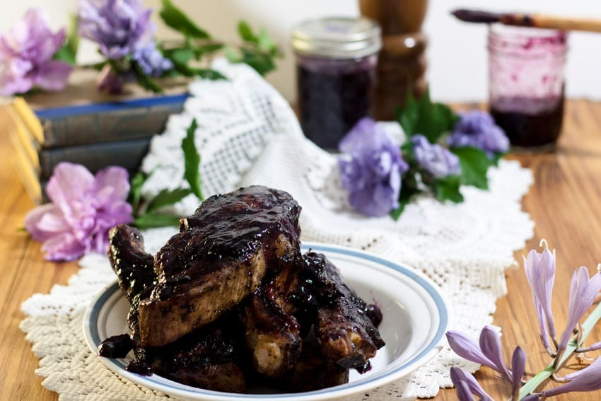 blueberry bbq sauce on spare ribs