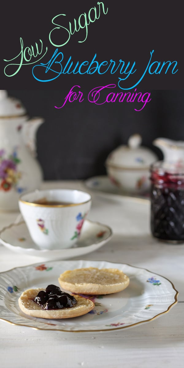 Blueberry jam recipe with biscuit