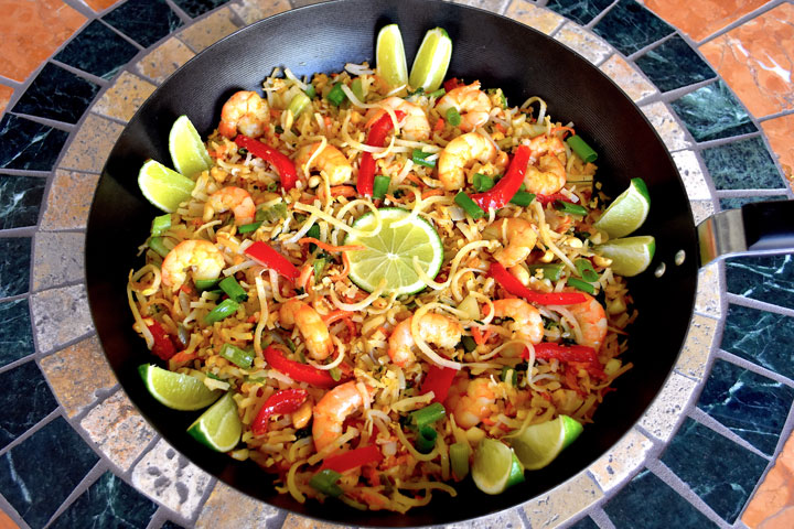 Large wok mounded with pad thai
