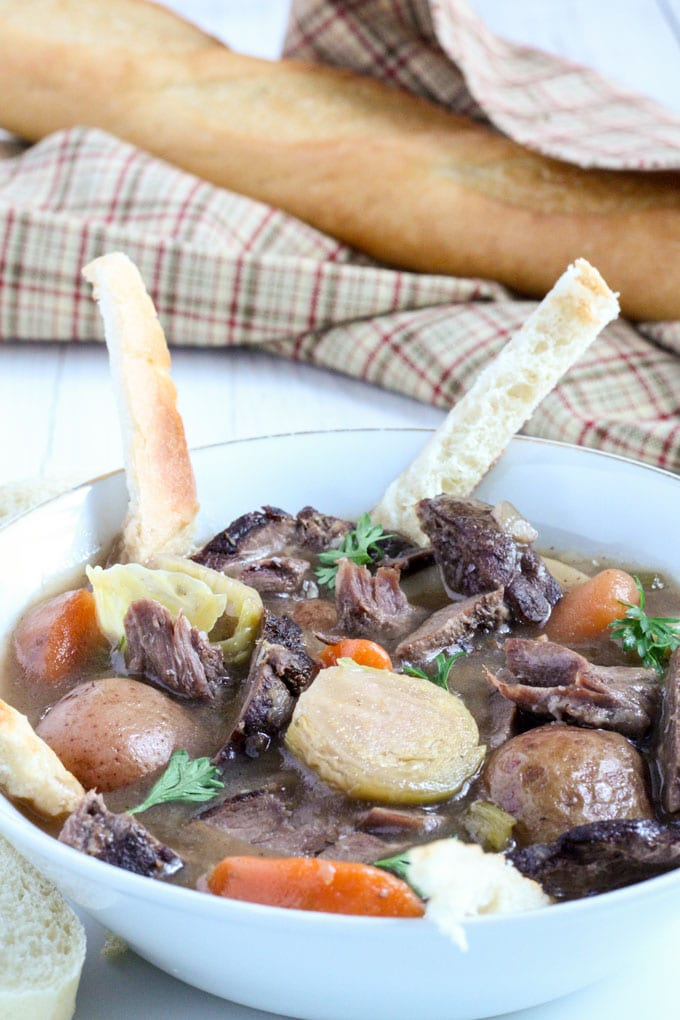venison stew with sliced French bread