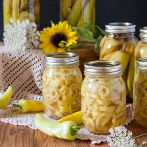 Easy Pickled Hot Peppers