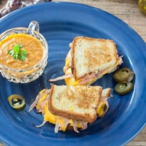 jalapeno grilled cheese on blue plate