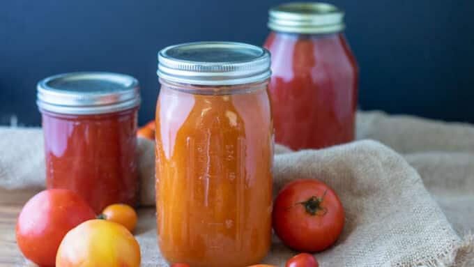Quart jar of yellow tomato sauce.